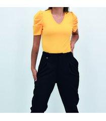 blusa manga corta pliegues
