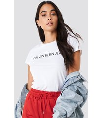 calvin klein core institutional logo tee - t-shirts - white