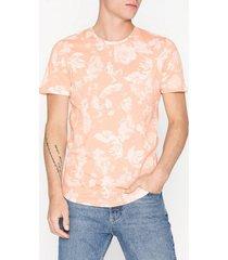 premium by jack & jones jprhugo aop tee ss crew neck t-shirts & linnen ljus rosa