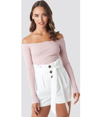 céline & talisa x na-kd high waist belted shorts - white