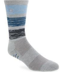 men's travismathew adventureland crew socks, size one size - grey