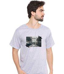 camiseta sandro clothing memory cinza - cinza - masculino - dafiti