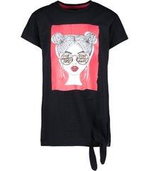 t-shirt adisa