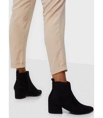 duffy pointy toe boots heel
