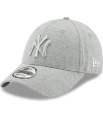 gorra new era new york yankees 9forty - gris