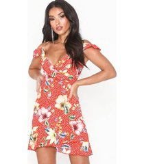 parisian floral wrap front mini dress festklänningar