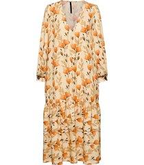 danica poppy peach knälång klänning orange mother of pearl