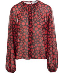 black blouse with red animalier polka dots