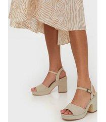 duffy chunky heel sandal high heel