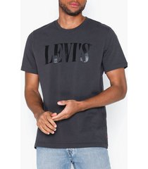 levis relaxed graphic tee 90s serif t-shirts & linnen grey