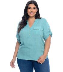 blusa plus size camisaria prelúdio verde água em viscose