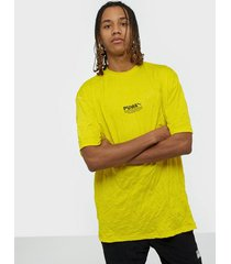 puma avenir crinkle tee t-shirts & linnen yellow