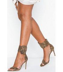 nly shoes buckle heel high heel