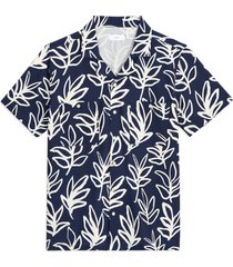 men's onia men's palm print short sleeve stretch chambray button-up camp shirt, size xx-large - blue