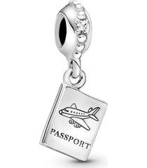 charm de prata pendente passaporte
