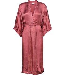 dress with v-neck knälång klänning rosa coster copenhagen