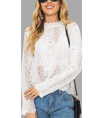 blusas blancas con detalles huecos y encaje