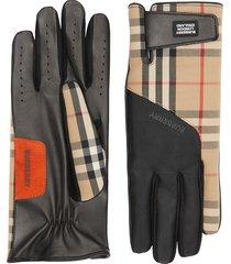 burberry logo appliqué vintage check leather gloves - neutrals