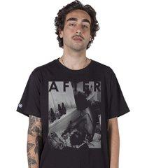 camiseta masculina stoned after