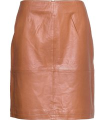 dellie leather skirt knälång kjol brun minus