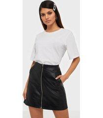 only onlglow faux leather skirt cc otw minikjolar svart
