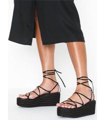 nly shoes braided strap plateau heel sandaler