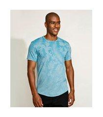 camiseta masculina estampado de folhagens manga curta gola careca azul claro