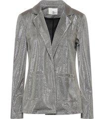 relish suit jackets