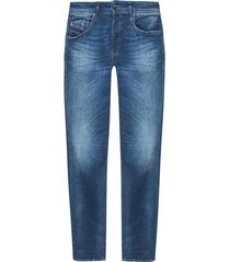 'buster' jeans
