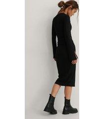 na-kd reborn recycled knälång kjol - black