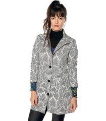 abrigo blanco-negro desigual