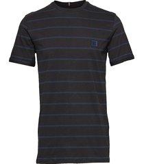 betroist t-shirt t-shirts short-sleeved svart les deux