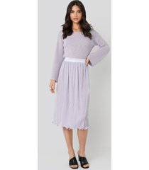 na-kd trend pleated detailed hem skirt - purple