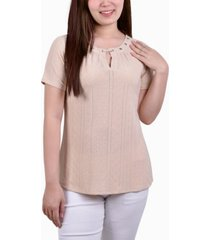 ny collection petite short sleeve knit eyelet pullover with grommets