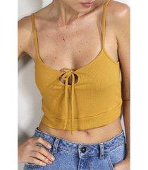 tshirt topmark, tipo crop top, con abertura y amarre