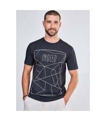camiseta preta estampa geométrica