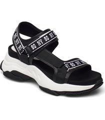 magnitude sandal shoes summer shoes flat sandals svart steve madden