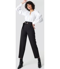 na-kd classic asymmetric belted suit pants - black