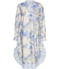 aerionna jurk knielengte blauw baum und pferdgarten