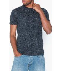 selected homme slhart ss o-neck tee b t-shirts & linnen mörk blå