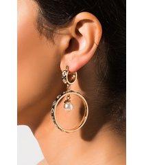 akira a ring of endless light hoop earring