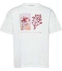 fleur tee t-shirts short-sleeved vit holzweiler