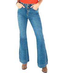 jeans flare botonera a la vista azul efesis