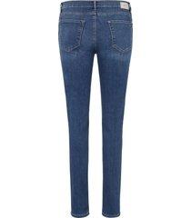 'skinny'-jeans model shakira van brax feel good denim