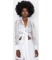 akira let's mingle tie front blouse with lace sleeves