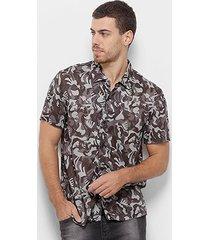 camisa manga curta cavalera confort camuflada masculina