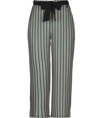 akè 3/4-length shorts