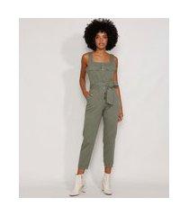 macacão de sarja feminino com bolsos e faixa para amarrar alça larga verde militar