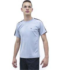 camiseta modelo 10 treme