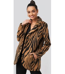na-kd trend printed tiger coat - brown,multicolor